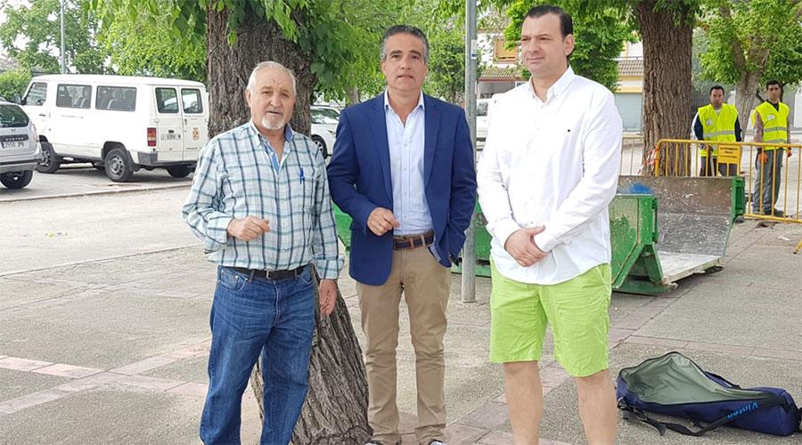El Ayuntamiento arregla las vías y acerados del barrio de Las Infantas