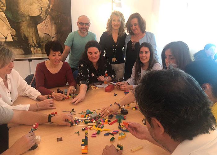 El Ayuntamiento celebra el taller 'Lego Serious Play' en el marco del convenio entre IMEFE y Andalucía Compromiso Digital