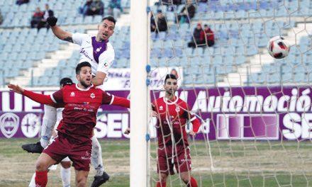 El alcalde felicita al Real Jaen CF por el Campeonato de Liga de Tercera División y le desea «toda la suerte para conseguir el ansiado ascenso»