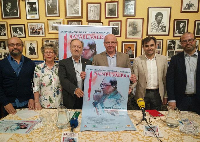El alcalde destaca el trabajo por la promoción y el fomento de los estudios de Flamenco de Rafael Valera y de la Peña Flamenca
