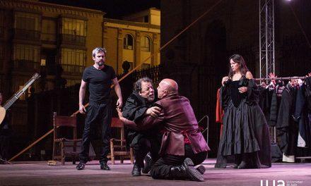 La Plaza de Santa María fue el escenario de la representación de 'Tartufo', Molière