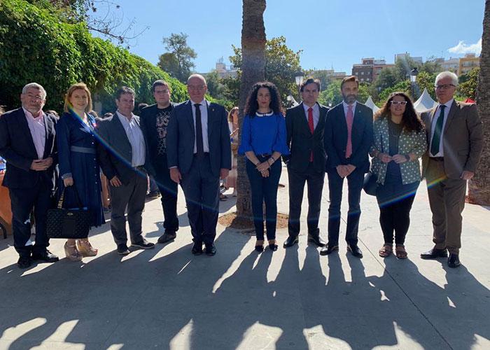 El alcalde en funciones visitó la XI Feria del Emprendimiento