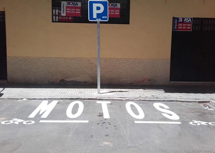 El Ayuntamiento habilita una nueva zona de estacionamiento para motocicletas y ciclomotores en el Paseo de la Estación