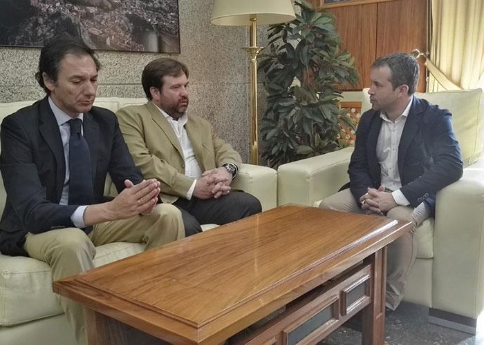 El alcalde destaca el papel de los empresarios en el desarrollo equilibrado del tejido económico y social de la ciudad