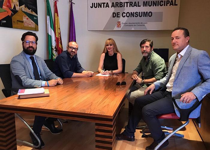 Cantos apuesta por establecer sinergias con los autónomos a los que hay que brindar «apoyo y medidas» por el bien de Jaén