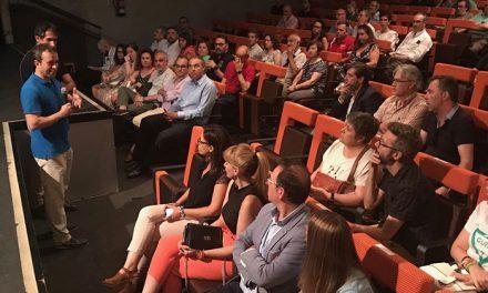 El Ayuntamiento reúne a colectivos para hacerlos partícipes de las obras que se acometerán en Roldán y Marín en los próximos meses