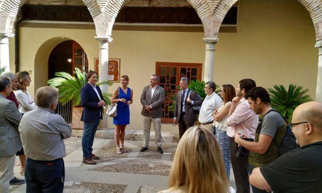El Ayuntamiento reúne a los patrocinadores privados del Festival de Otoño para presentarles una edición renovada abierta a un público