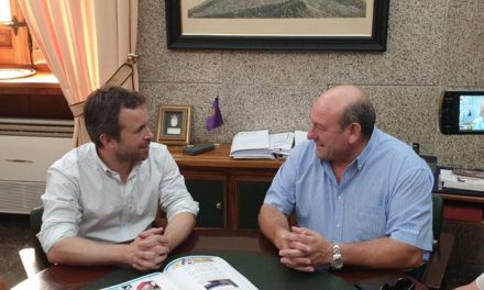 El alcalde compromete su apoyo para atender las necesidades de la Asociación ALES