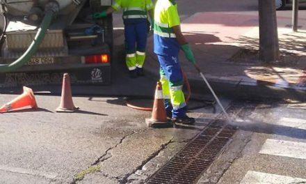 El Ayuntamiento de Jaén refuerza la limpieza de imbornales en zonas claves de la ciudad