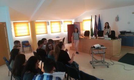 El IMEFE imparte un taller dirigido a mejorar las posibilidades de encontrar empleo a través de Internet