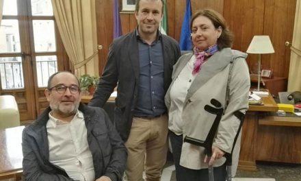 El alcalde recibe a Fejidif, un colectivo «estratégico» en el trabajo sobre discapacidad que realiza el Ayuntamiento