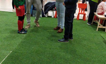 El Ayuntamiento anima a los niños y niñas a ser más respetuosos con el entorno a través del taller «Tres-Ciclaje»
