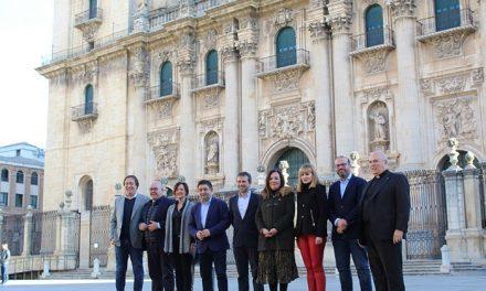 El Ayuntamiento impulsa la unidad de acción y el compromiso institucional para trabajar en el expediente de declaración de la Catedral como Patrimonio de la Humanidad