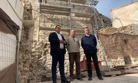 La intervención en la Torre Almedina, con un presupuesto de unos 700.000 euros, se encuentra al 50 por ciento