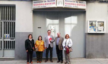 El Ayuntamiento informa a los vecinos de los barrios de Belén y San Roque de las mejoras que se acometerán en cuatro de sus calles en los próximos días