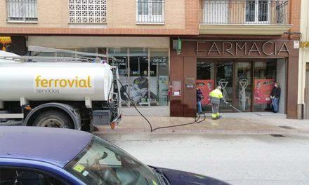 El Ayuntamiento destina unos 2.800 litros de hipoclorito para desinfectar las calles de Martos durante el estado de alarma