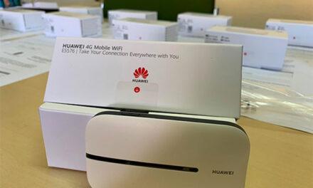 El Ayuntamiento inicia el reparto de una treintena de routers wifi entre escolares de familias vulnerables de Martos