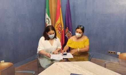 El Ayuntamiento firma un convenio de colaboración con Sinando Kalí para plasmar y atender las necesidades de la comunidad gitana en Jaén
