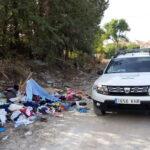 La Policía Local localiza a los sospechosos de un vertido incontrolado en la Carretera de Fuerte del Rey y pone en marcha el procedimiento sancionador