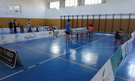 Más de una quincena de participantes en el Torneo de Tenis de Mesa organizado por la Concejalía de Deportes