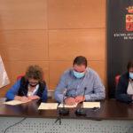 El Ayuntamiento firma un convenio de colaboración con la asociación Huellas Invisibles para llevar a cabo el método CES en las colonias felinas
