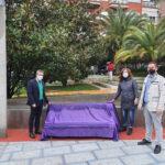 El Ayuntamiento inaugura el Banco por la Igualdad en la Plaza de la Libertad para recordar que hay que luchar contra el machismo desde todos los frentes