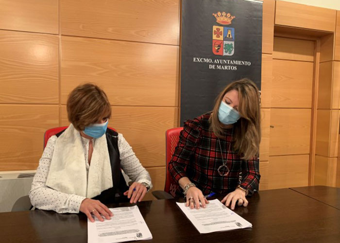 El Ayuntamiento firma sendos convenios con ASEM para el desarrollo de la campaña 'Bonos 50×50. Martos Impulsa' y el mantenimiento de la sede