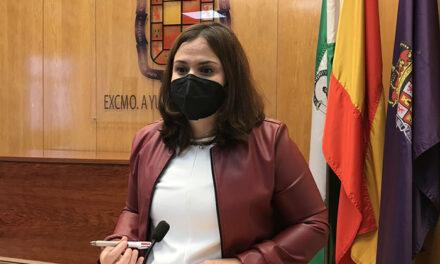 El Ayuntamiento prueba el cambio del sistema de ayudas de emergencia social al formato de tarjetas de recarga o transferencias para usuarios y amplía su uso a los pequeños comercios de Jaén