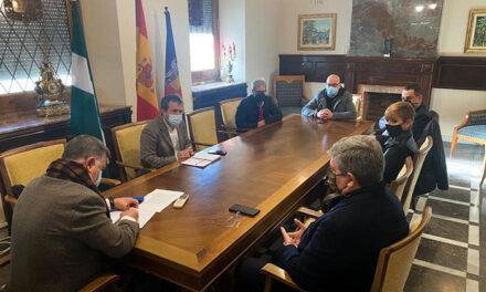 El Ayuntamiento de Jaén pospone hasta después del verano el cobro de la tasa de terrazas y acuerda con Hosturjaén extender la ampliación del espacio de los veladores hasta el 15 de abril
