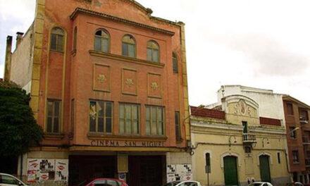 La recogida de firmas para apoyar la protección al cine San Miguel se mantiene hasta el 25 de enero