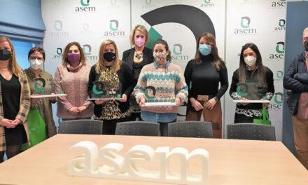Entregados los premios del VII Concurso de Escaparates Navideños organizado por ASEM