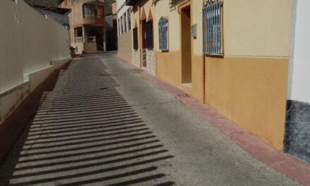 El Ayuntamiento de Jaén ejecutará en El Tomillo y Belén y San Roque las primeras obras del proyecto de reparación y mantenimiento de acerados que llegará a 22 calles