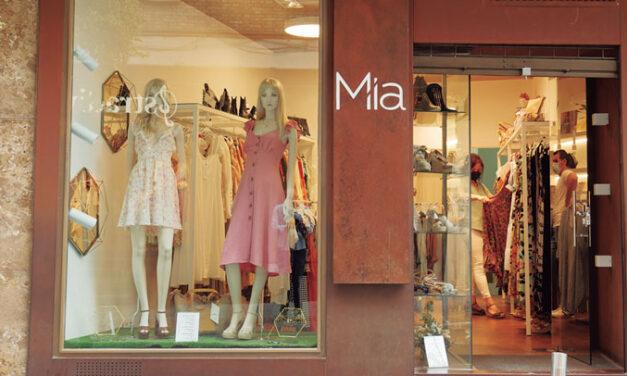 """Mia Shop: """"El color negro nunca falla, es el fondo de armario por excelencia"""""""